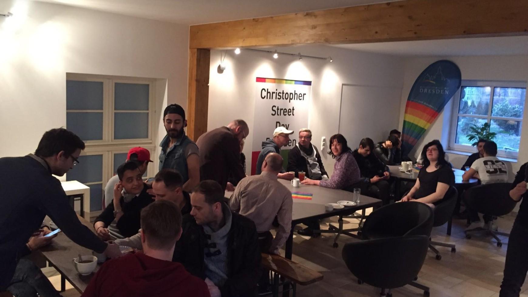 Stellenausschreibung zur Unterstützung der Landeskoordinierungsstelle Sachsen für queere Geflüchtete