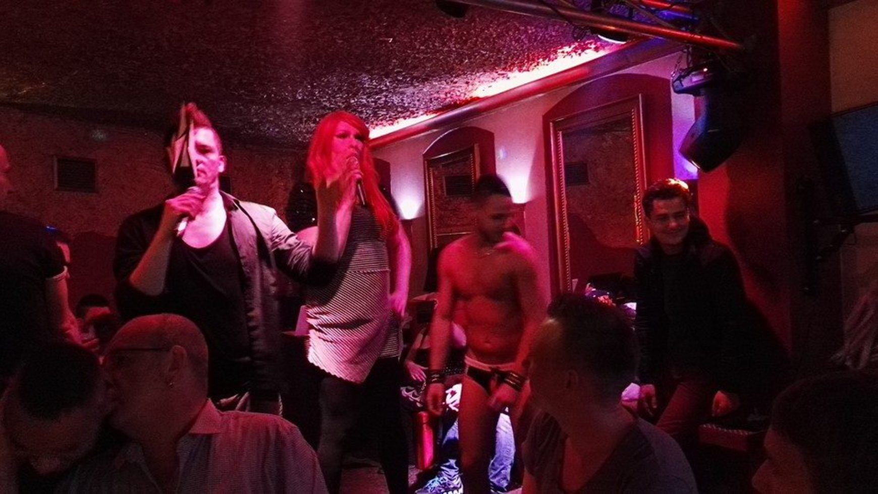 BOYS Bar Karaoke Party – Pride Songs zum CSD